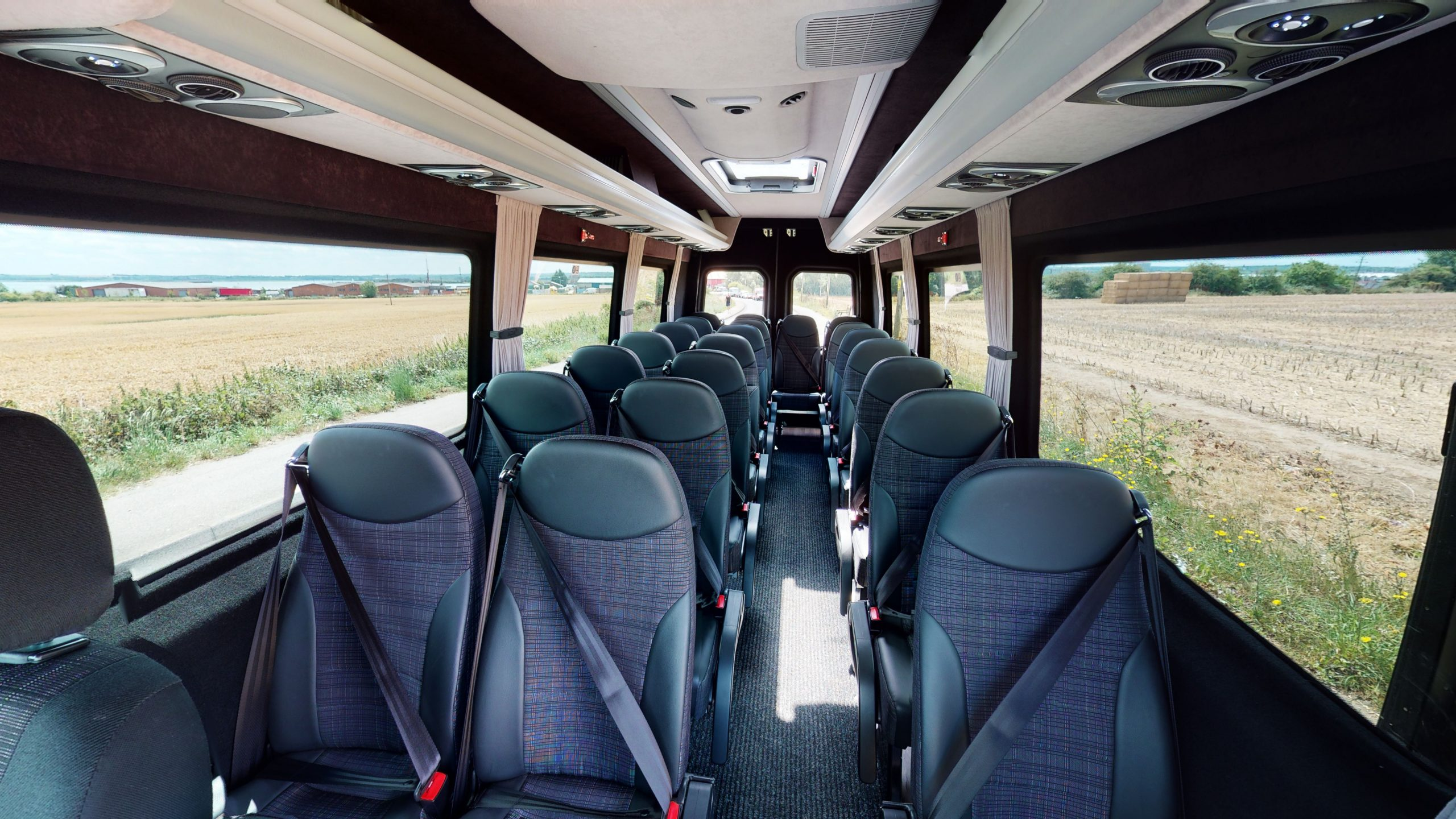 farleigh coaches 22 seater minibus